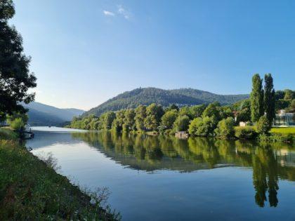 Am Neckar in Eberbach/Foto von Jana